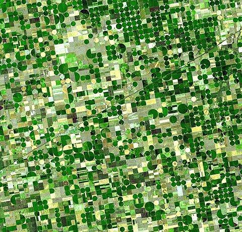 File:Crops Kansas AST 20010624.jpg